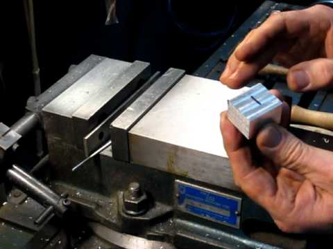 How to square up stock on the milling machine